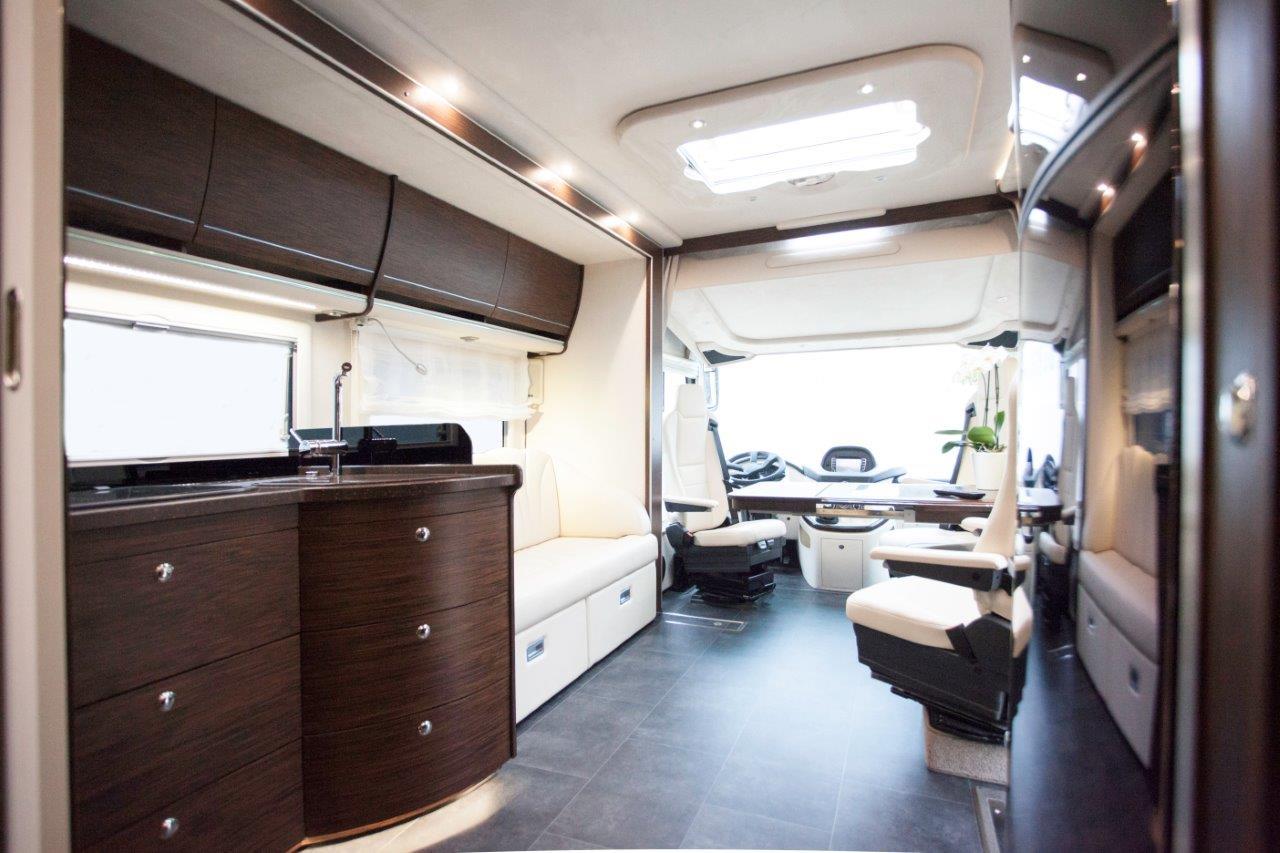 wohnmobilausbau la h nerkopf echter luxus. Black Bedroom Furniture Sets. Home Design Ideas