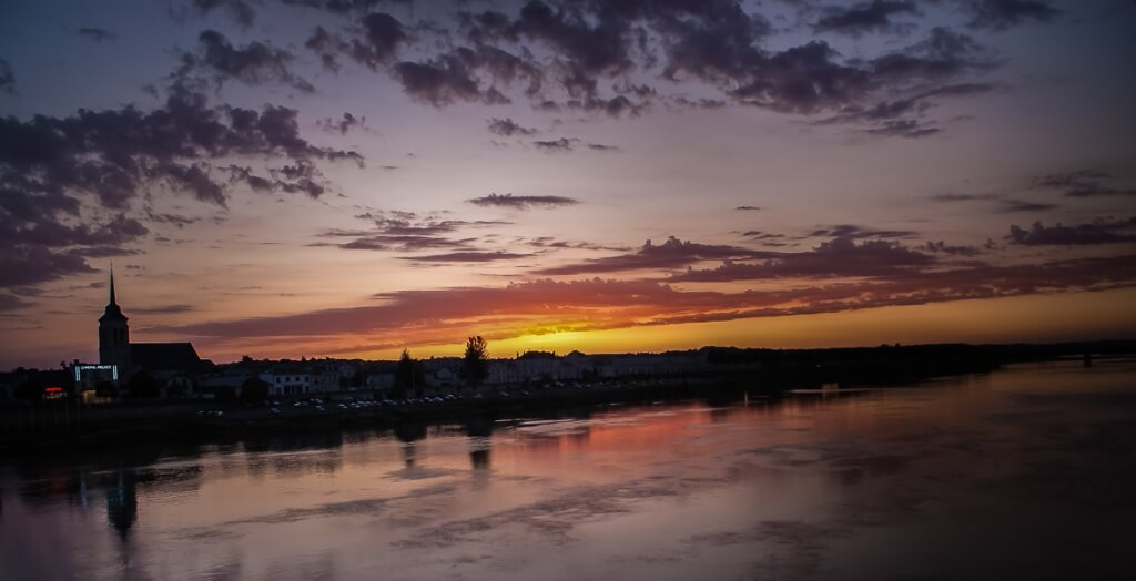 Saumur by night