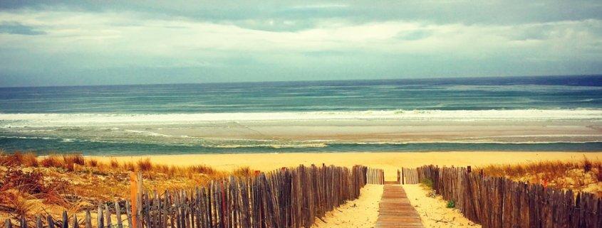 Steg zum Strand vom Stellplatz Mimizan Plage