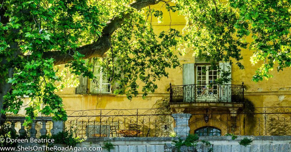 """Der Tisch"" aus A Good Year - Chateau La Canorgue"