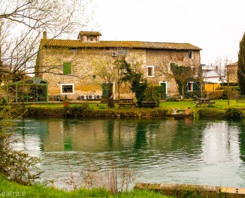 Traumfaftes Wassergrundstück in L´Isle Sur La Sorgue