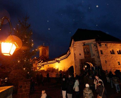 zeigt den Weihnachtsmarkt auf der Wartburg