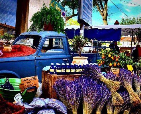 Lavendel auf einem Markt in der Provence