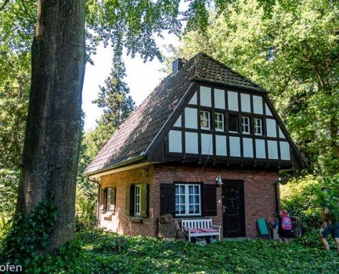 zeigt ein Fachwerkhaus im Sequoia Park Kaldenkirchen