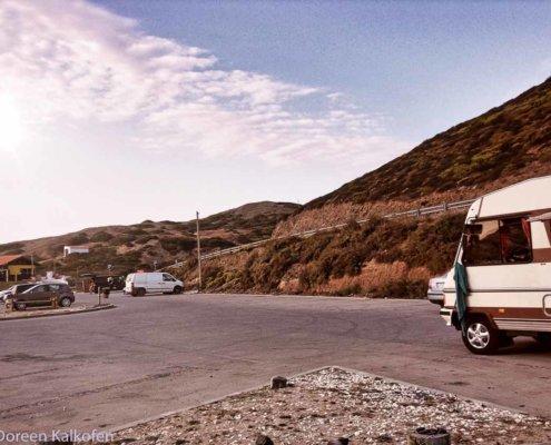 Erste Reise Wohnmobil - Morgens am Strand im Wohnmobil