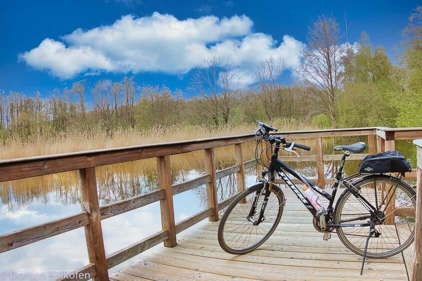 Fahrrad Touren am Niederrhein / zeigt den Polvennsee